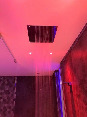 Dettaglio doccia della Luxury SPA Suite